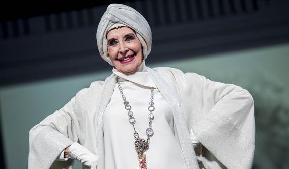 Crítica: El Funeral – Concha Velasco llega al Teatre Borràs